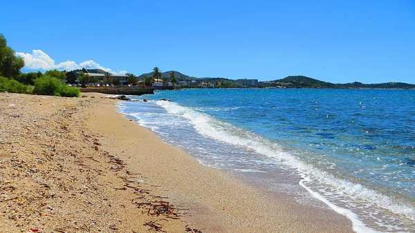 Playa privada de Voula, precios baratos